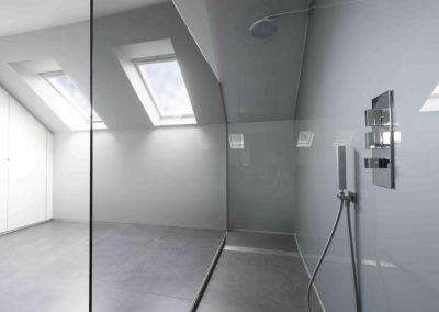 Douchewand en spiegels onder dak02