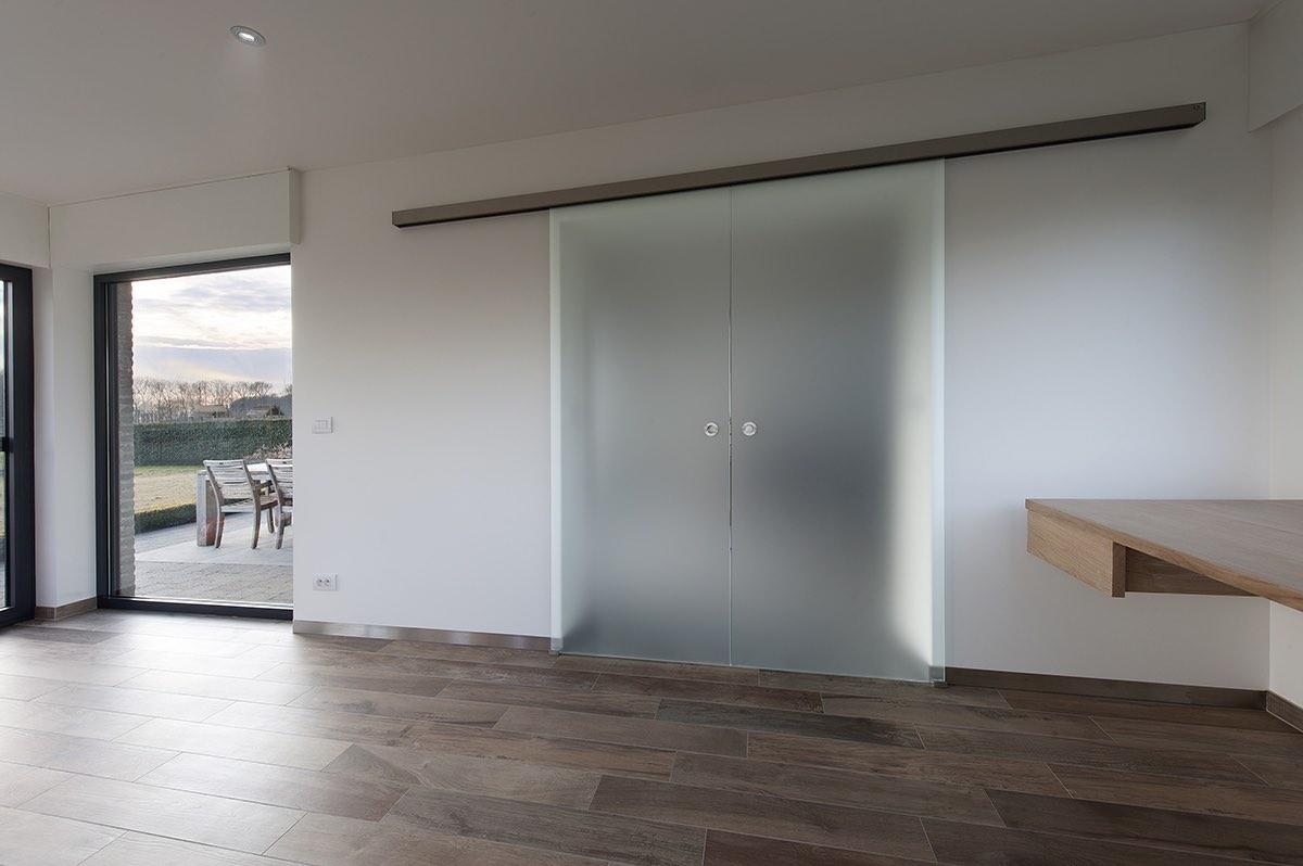 Dubbele deur en vensterbanktabletten op maat 04