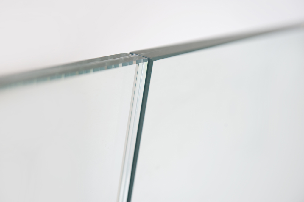Glazen balustrade maakt van twee een 03