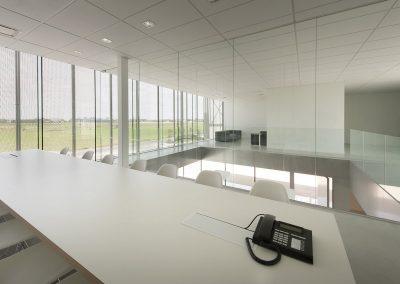 Glazen vergaderruimte bedrijfsgebouw ROB