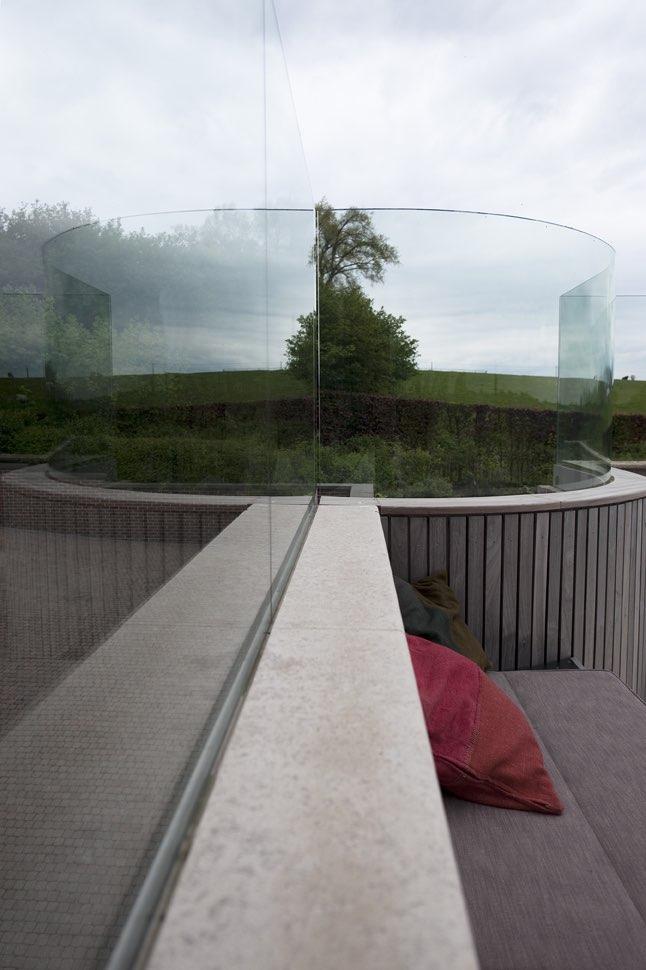 Glazen windscherm met bolling 06