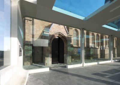 Topglass glazen dak vanceva gekleurd glas kerk gelaagd veiligheid