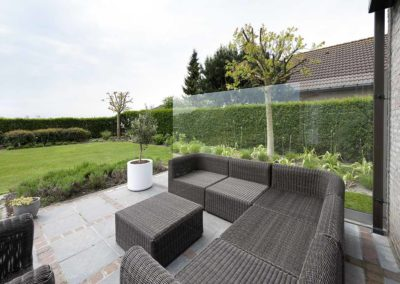 Uit de wind in Knokke-Heist - windscherm in glas 01