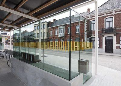 glas op het plein 08
