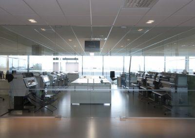 Werkplaats met glazen wanden
