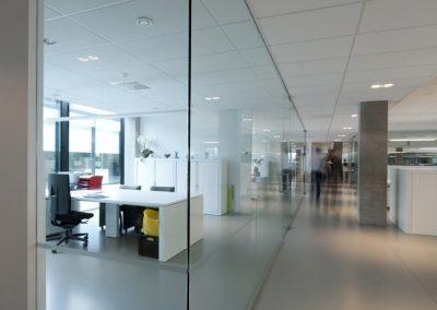 werkplaats met glazen wanden 06
